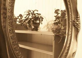 Hvordan finne informasjon om Antikke speil