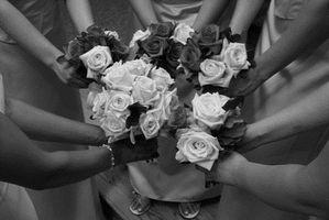 Unik Wedding Attendant Gaver