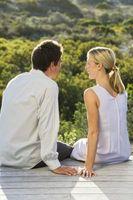 Hvordan kommunisere effektivt i et romantisk forhold