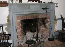 Slik gjenoppretter en Antique Wood Mantel