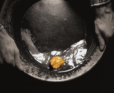 Slik fjerner gull flak fra Quartz