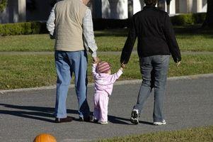 Stadier av utviklingen fra spedbarn til barn