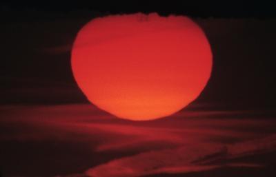 Hvorfor Er Sun Red-Orange?