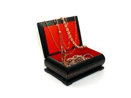 Hvordan Shine en Antique Diamond Ring