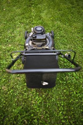 Hvordan konvertere en Gas Motor til en DC-motor