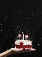 Hvordan lage en lagdelt Birthday Cake