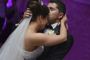 Hva tradisjonelle danser er i et bryllup?