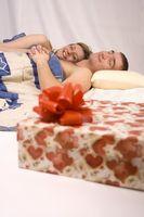 Hvordan å ha en romantisk Second Anniversary
