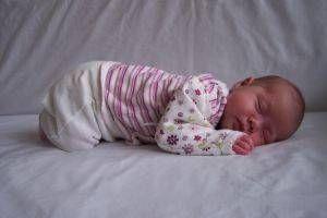 Hvordan sette en baby til å sove uten Nursing