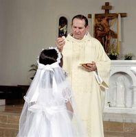 Hva gjør du kjøpe som en gave for en First Communion?