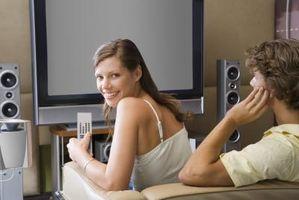 Hvordan koble PS3 til surroundlyd med en Blu-Ray allerede er tilkoblet