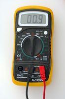 Hvordan sjekke Elektronikk deler ved hjelp av et multimeter