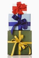Hvordan Tie en bue rundt et Present