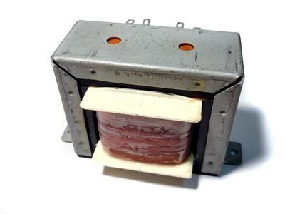 Hvordan Wire en 24/220 Low Voltage Transformer