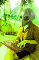 """Hvordan lage en Alien Sim i """"The Sims 2"""""""