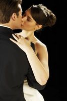 Hvordan planlegge en Hollywood-tema bryllup