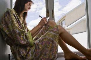 Hvordan skrive en morsom Letter for noen forlater på en tur