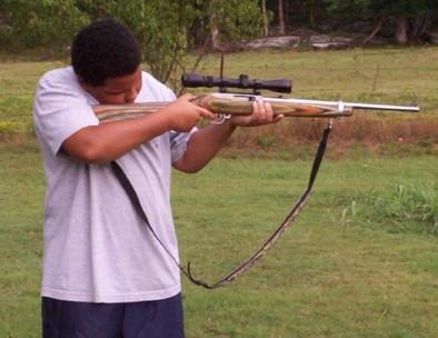 Hvordan legge til åpne sikter til en Rifle