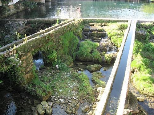 Deler av en akvedukt