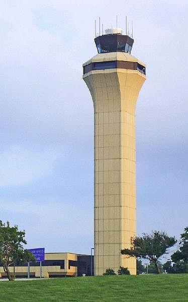 Hvordan Lytt til Air Traffic Control Communications Online