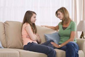 Hvordan få et Teenage Daughter Feel godt om seg selv