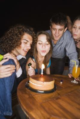 Måter å holde kontakten med vennene dine