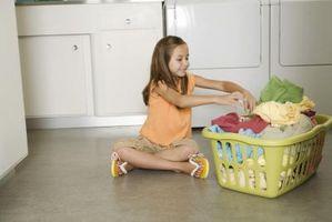 Hvordan Lær barna å gjøre husarbeid samtidig ha det gøy