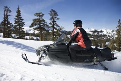 Hvordan polere en Ski-Doo Tunnel