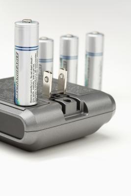 Hvordan til å lade opp et batteri som har sittet