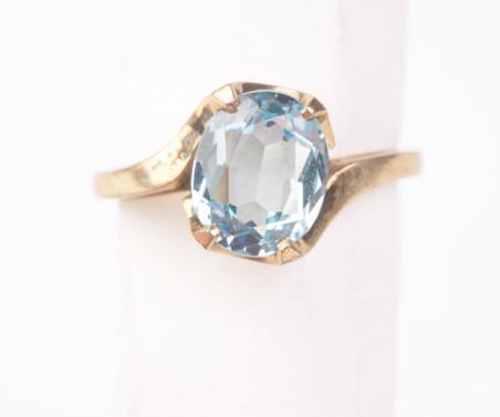 Metafysiske egenskaper av Blue Diamonds