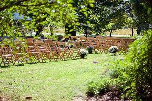 Slik planlegger et lite bryllup i en hage