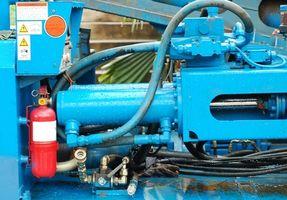 Hvordan skille vann fra Hydraulic Fluid