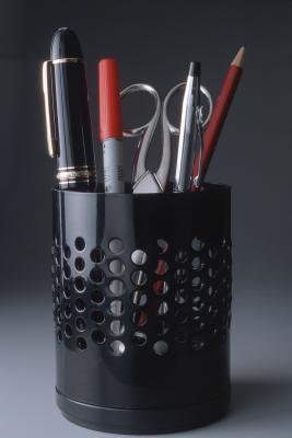 Hvordan sjonglere en penn mellom fingrene
