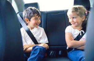 Ansette en barnepike å drive barn til aktiviteter