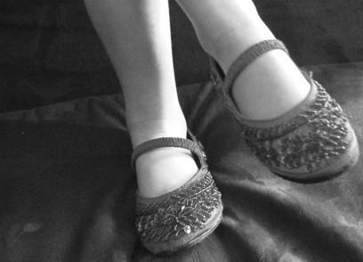 Hvordan Sy perler på sko