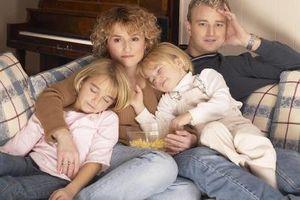 Hvordan lage en avslappende kveld for din mann