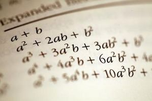 Hvordan Factor et trinomial med en ledende koeffisient av One