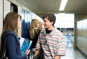 Hvilke spørsmål kan jeg stille en jente til å Diskret finne ut om hun liker meg?