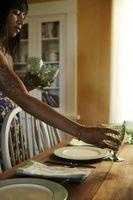 Hvordan sette opp et spisebord for passasjerene