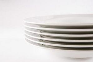 Hvordan finne ut verdien av Antique Plates