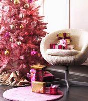 Hvordan Trim et juletre med rosa Lights