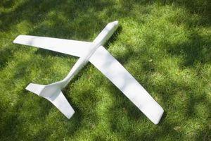 Hvordan bygge en ultralette fly ut av skum