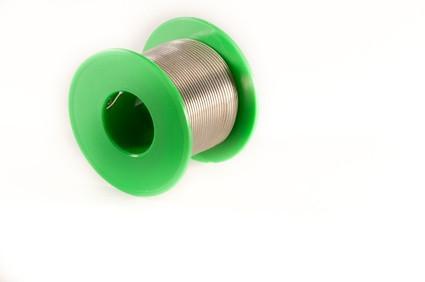 Hvordan lage Wire Filigree Smykker