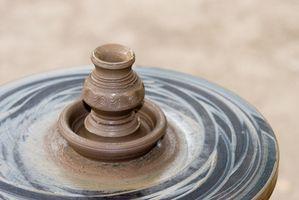 Hvordan identifisere Pottery