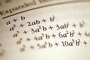 Hvordan finne summer av polynomer i ligninger
