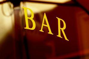 Hvordan snakke med en jente i en bar