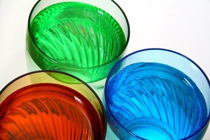 Hvordan Nelliker Absorber farget vann?
