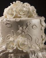 Hvordan kan jeg lage min egen bryllupskake og blomster?