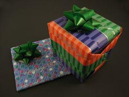 Hvordan lage Håndlaget bursdag gaver til under $ 10