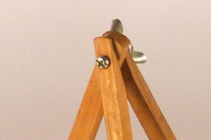Hvordan lage en tre stativ for et teleskop